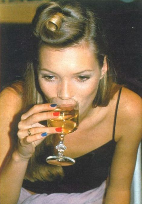 kate moss drinking french 75